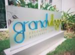 Grand-Village-1